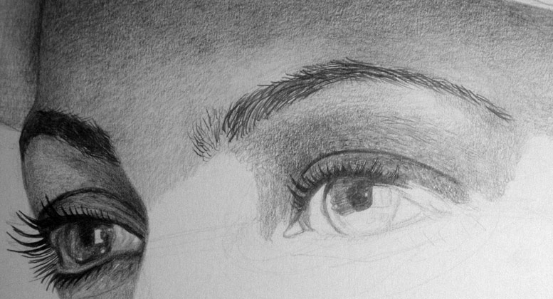 Shade the eyelid and draw the eyelashes with the mechanical pencil